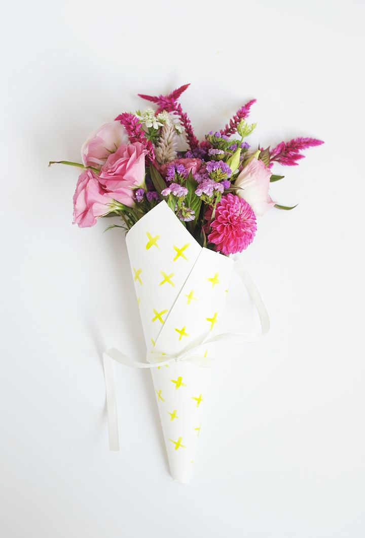 DIY Gift Wrapping Ideas : Make these cute DIY Watercolor Flower ...