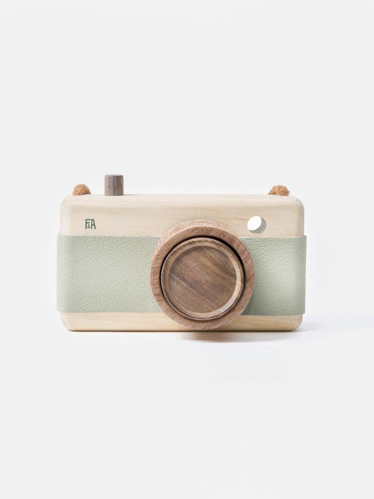 Fanny & Alexander Wooden Camera - Mineral Green