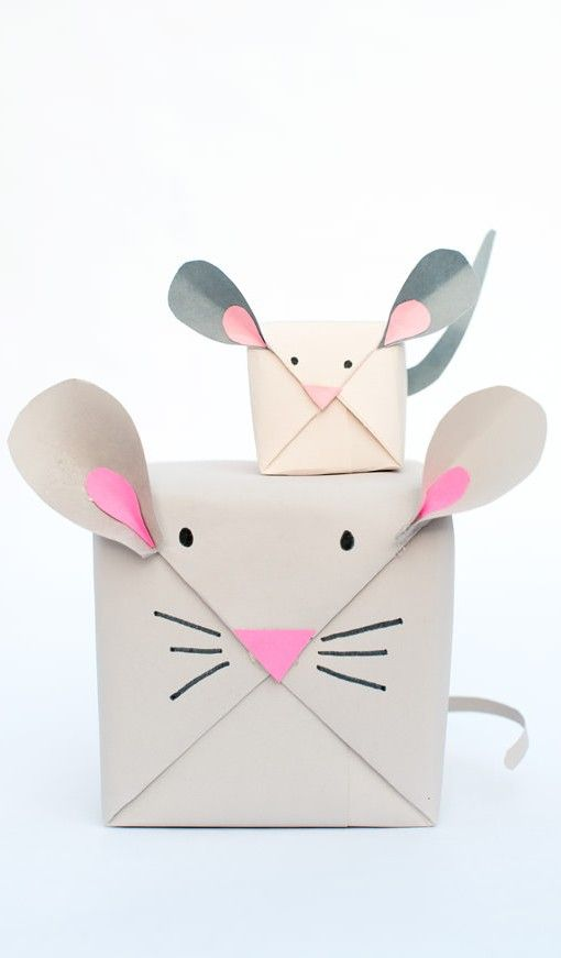 DIY Mouse Gift Wrap - This is especially cute if you have multiple gifts of vary...