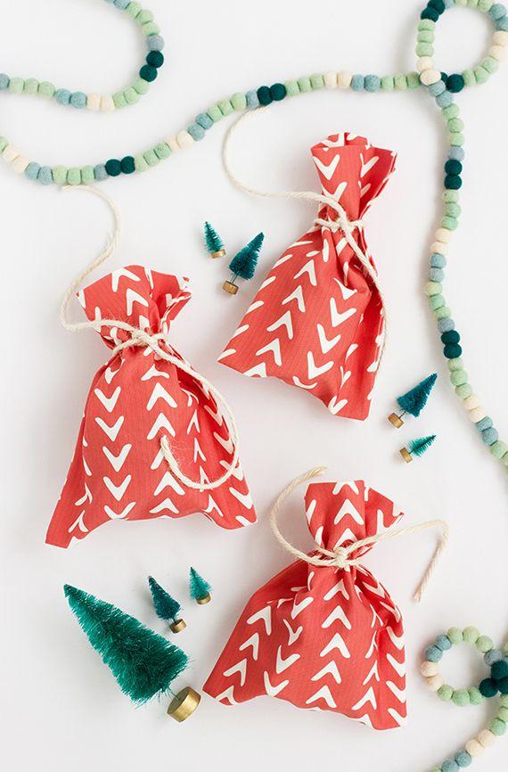 DIY Gift Wrapping Ideas : DIY: No-Sew Fabric Gift Bag ...