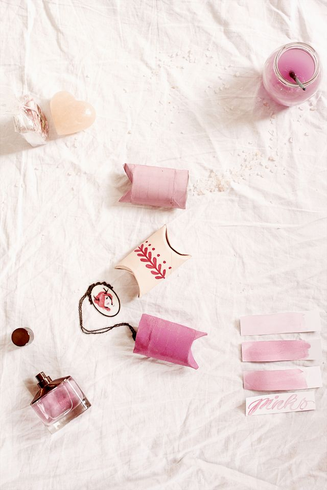 Gift Boxes from Paper Rolls - Take your paper rolls lying around and make these ...
