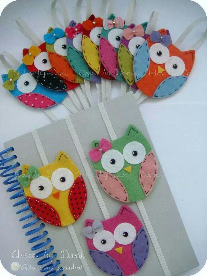These sweet little, felt owls make lovely book marks or keep your book closed in...