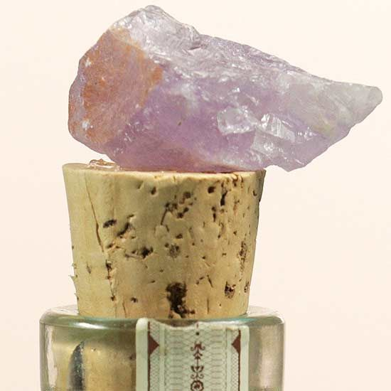 DIY a geode bottle stopper for a quick, easy, and inexpensive way to add style t...