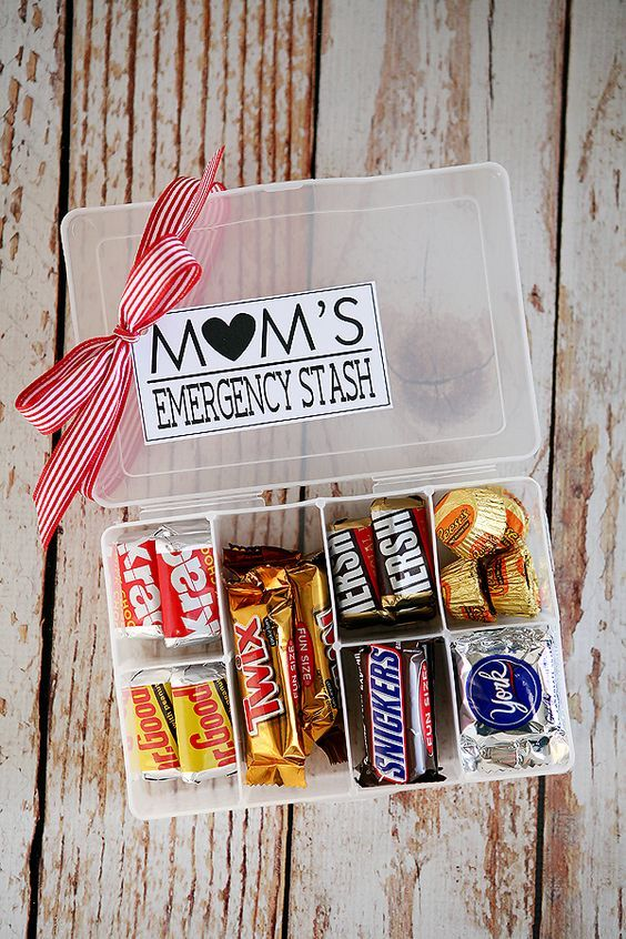 DIY Gifts Ideas : Mom's Emergency Stash   fun little Mother's Day