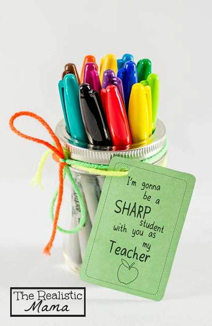 Sharpie Back to School Teacher Gift with FREE PRINTABLE. {Perfect for teachers a...
