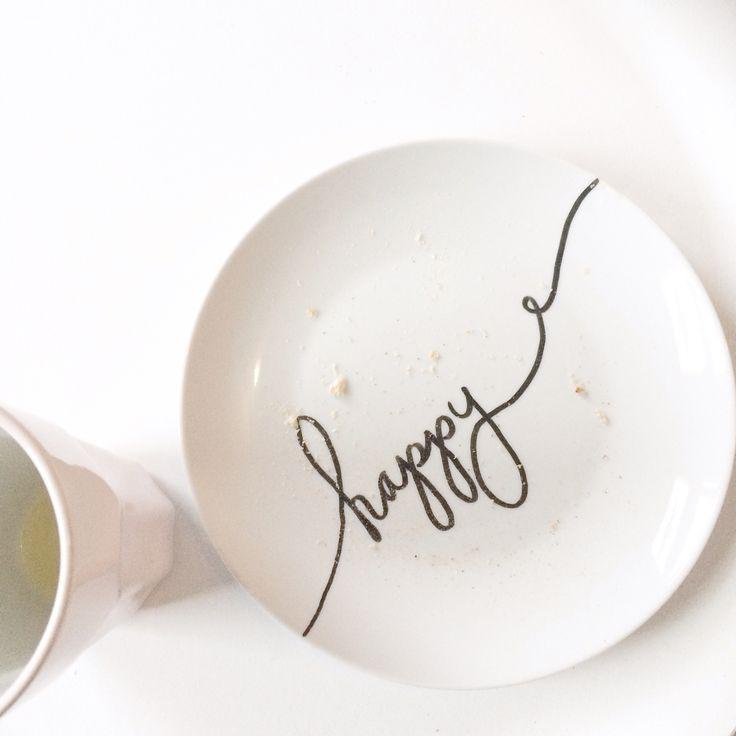 Ontbijtbordje met porseleinstift bewerkt   breakfast plate with porcelain paint ...