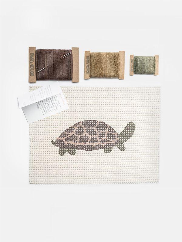 Fanny & Alexander Themed Needle Kit – Turtle