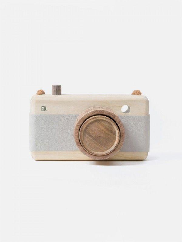 Fanny & Alexander Wooden Camera – Breeze