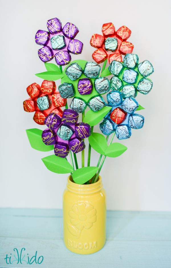 Mom birthday gifts easy mother s day spring chocolate bouquet mom birthday gifts easy solutioingenieria Choice Image