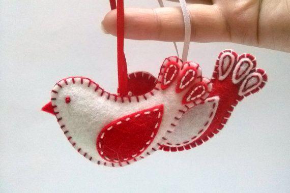 Décorations de Noël - rouges en feutrine et ornement oiseau blanc, laine méla...