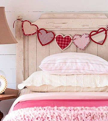Valentine's Day heart garland deco on bed, DagmarBleasdale.com: Valentine's Day ...