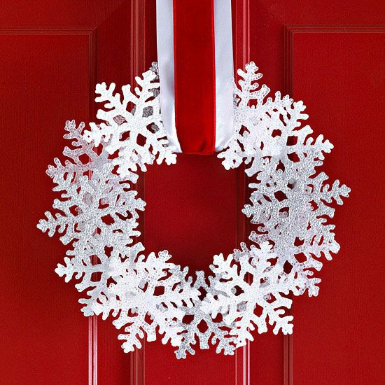 Get amazing Christmas decoration ideas for your front door! Your holiday curbsid...