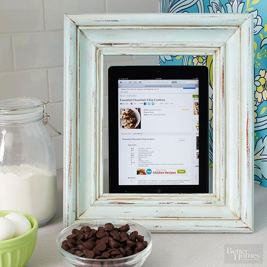 Instructions for making a frame into a tablet stand. Perfect handmade gift for t...