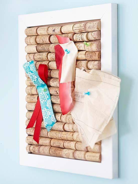 Make a Wine Cork Board - perfect handmade gift for a wine lover. A wine cork bas...