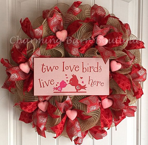 Valentines Day Gifts : This Valentines Day wreath will make a cute ...
