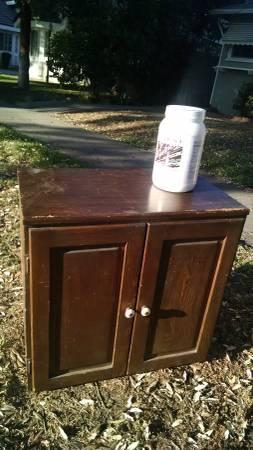Free Giveaway : 2 Shelf Storage Storage Cabinet (Alhambra)