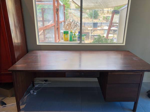 Free Giveaway : Curb Alert U2013 Desk, Corner Book Shelves, And Elfa Storage  Rack (San Juan Capistrano)