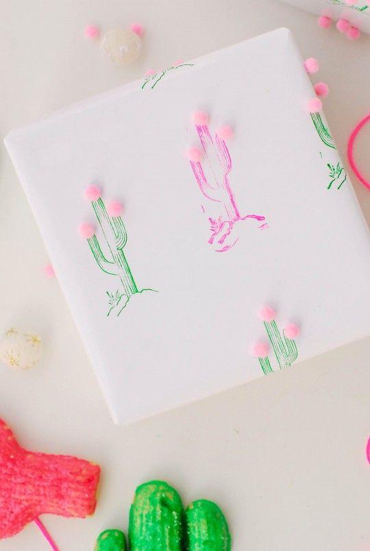 DIY  Cactus Pom Pom Gift Wrap