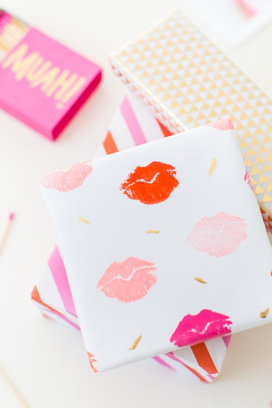 diy lip patterned gift wrap for valentines day!