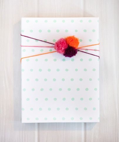 diy / wrapping idea / Dots mint Gift Wrap