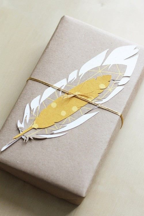 Cute gift wrapping idea. - Feather embellishment. #giftwrapping #pperfeather #em...