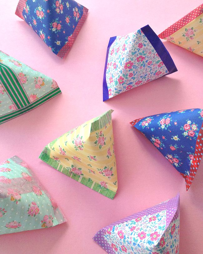 make pyramid paper (gift) pouches - omiyage