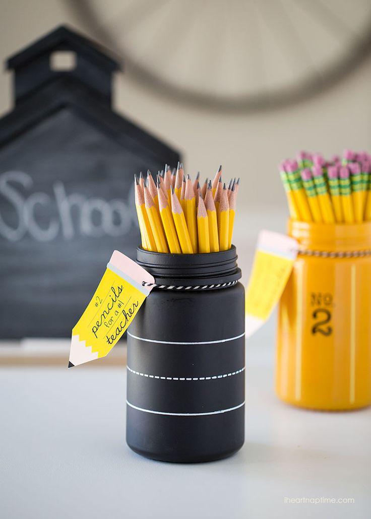 Pencil jar teacher gift idea with free printable -so cute and EASY!