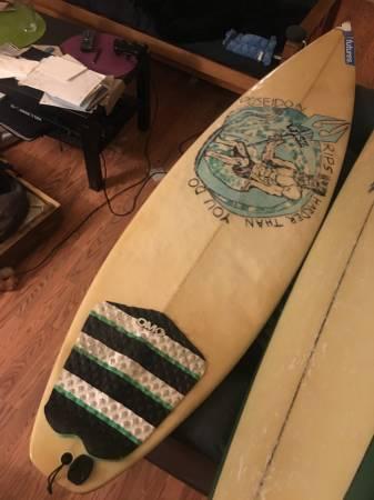 """Free Giveaway : wisz surfboard 6'2"""" $20"""