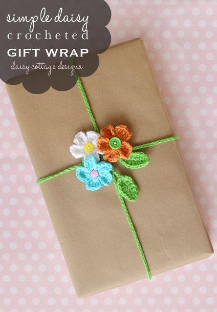 Crochet Flower Gift Bow: free #crochet #pattern