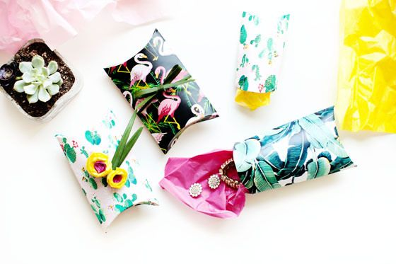 Custom Print DIY Pillow Gift Boxes | 12 Months of Martha | melodrama