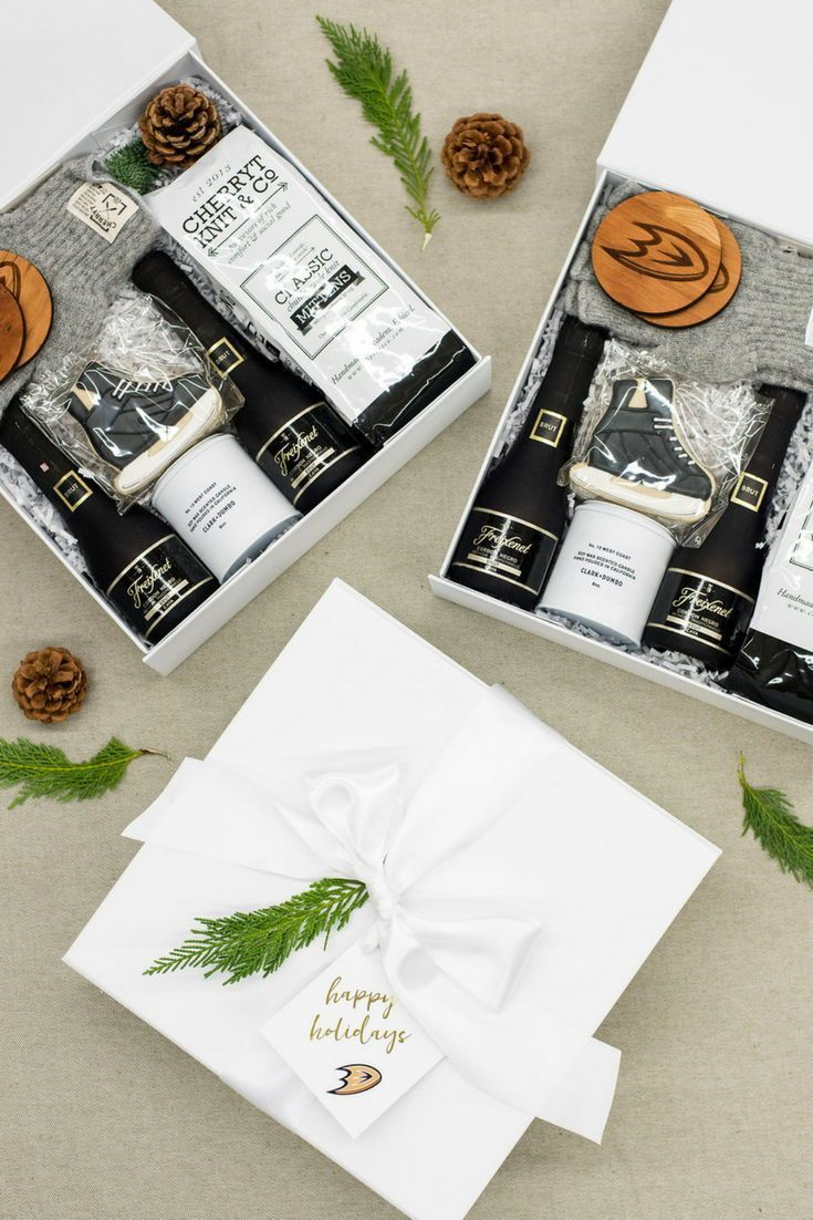 CUSTOM HOLIDAY GIFT BOXES// Unisex black and white holiday client gift boxes des...