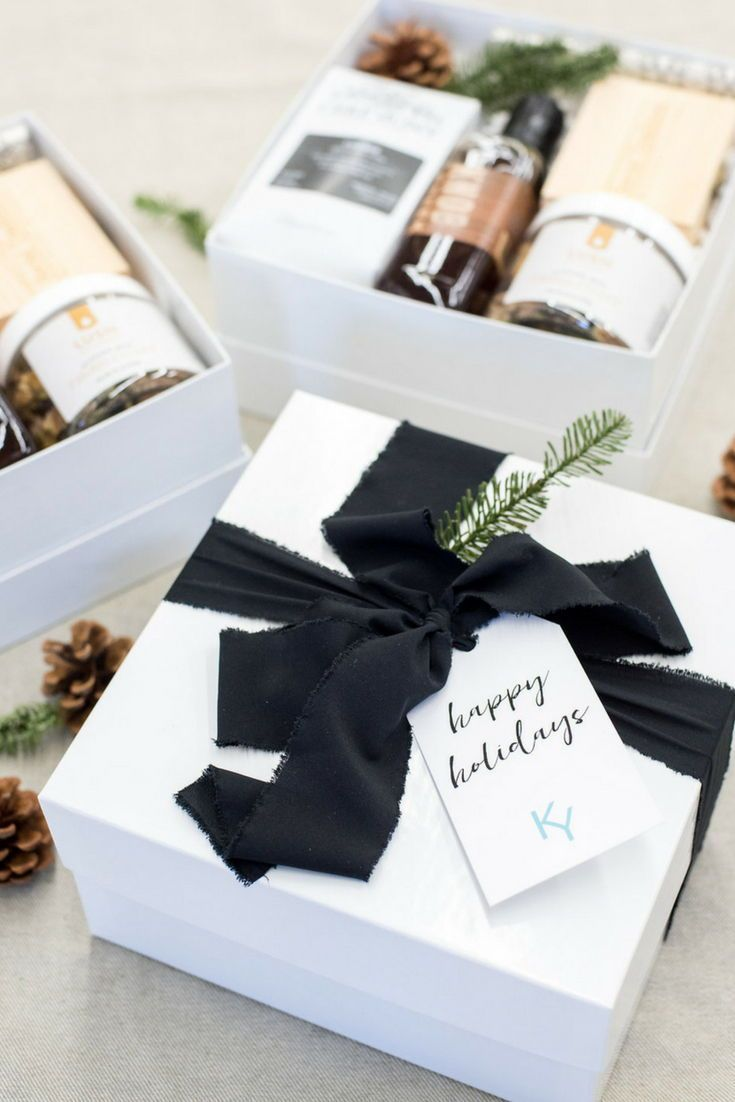 HOLIDAY CLIENT GIFT BOX// White and brown gender neutral client holiday gift box...