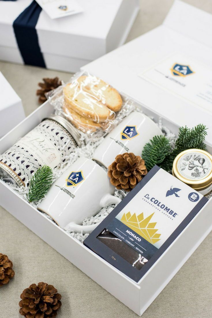 HOLIDAY GIFT BOXES// Navy and white holiday client gift boxes designed for LA Ga...