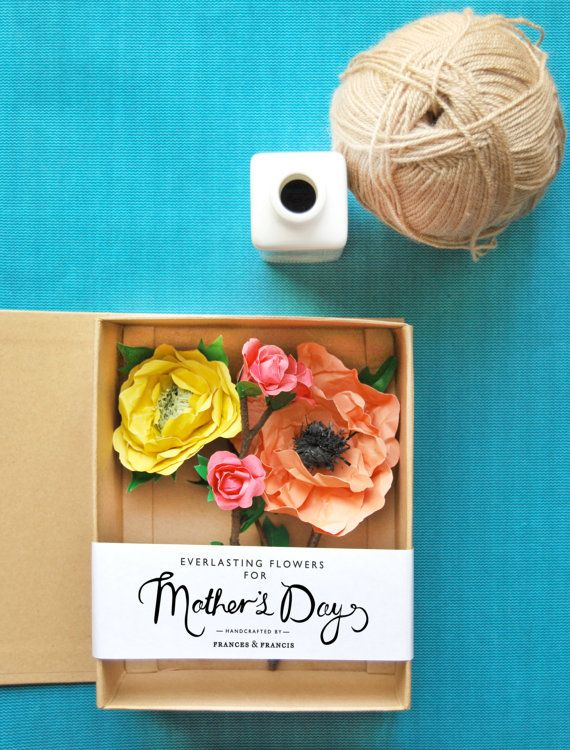 Gorgeous paper flowers for mom.