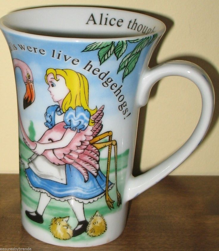 Paul Cardew Alice in Wonderland Coffee Mug Cafe Queen of Hearts 2010 Tall Cup   ...