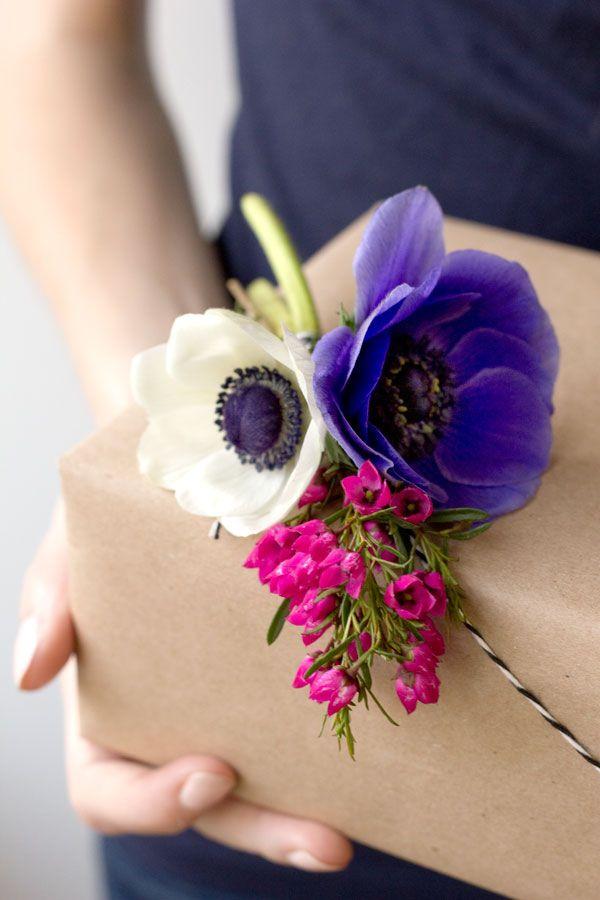 DIY Fresh Flower Gift Packaging
