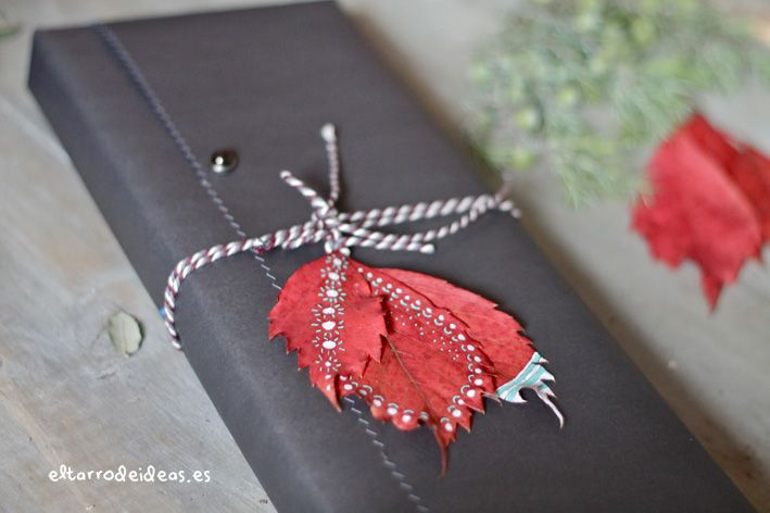 Decorate your gifts with autumn leaves