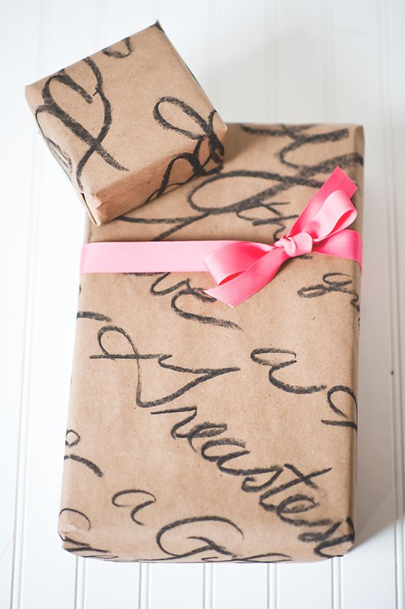 Hand Font Wrapping paper and 15 great ways to wrap a present!