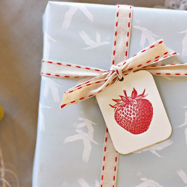 Letterpress gift tag | Letterpress Luggage tag | Strawberry