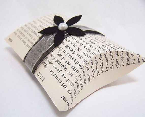 Vintage Book Page Pillow Boxes- theepapergirl---Etsy