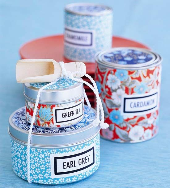 Crafty Gift Wrapping Ideas! Loving these little tins!