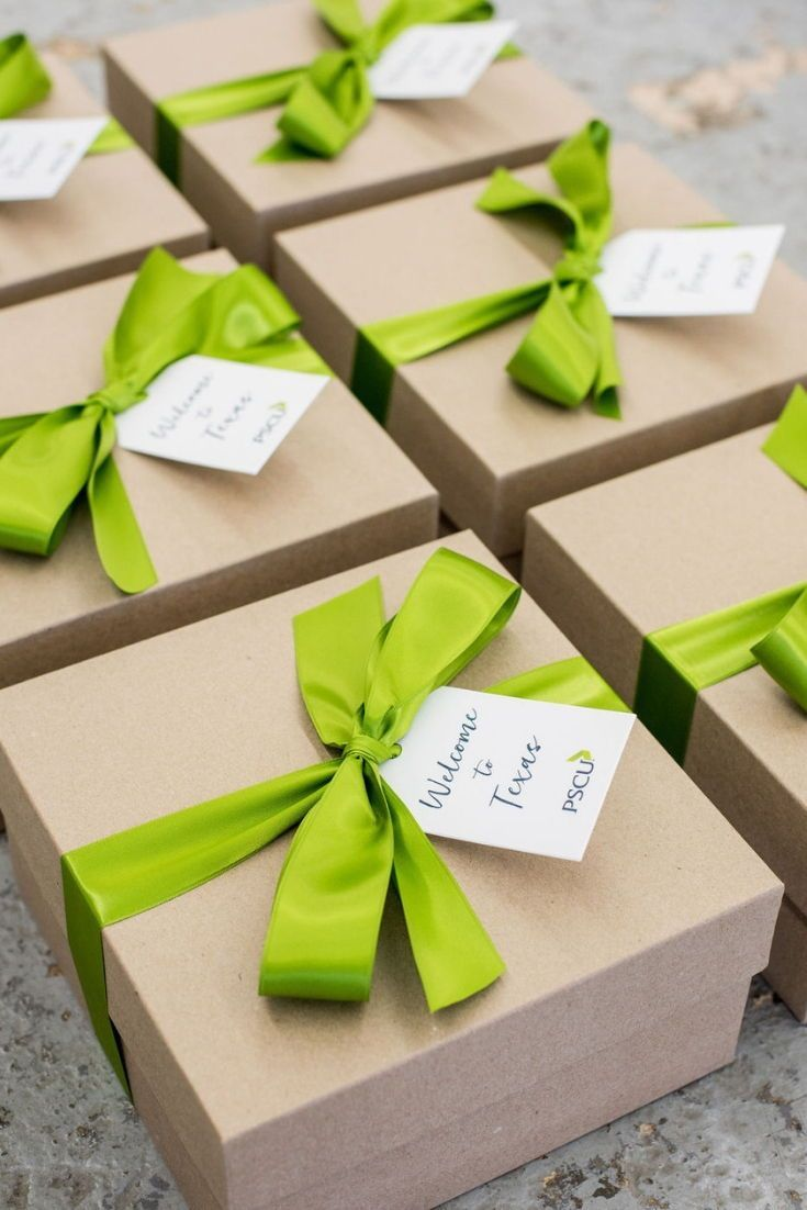 CORPORATE EVENT GIFTS// Kraft and green corporate event gifts with company logo ...