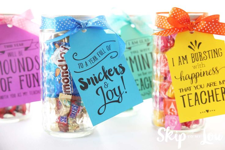 Back to school candy gram printable gift tags. An easy teacher gift idea!