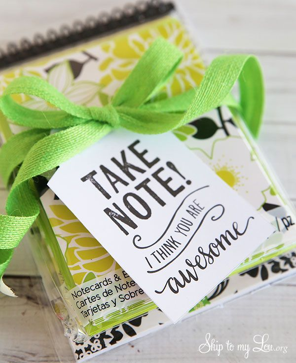 Back to school teacher gift idea: Take note free printable tag #print #backtosch...