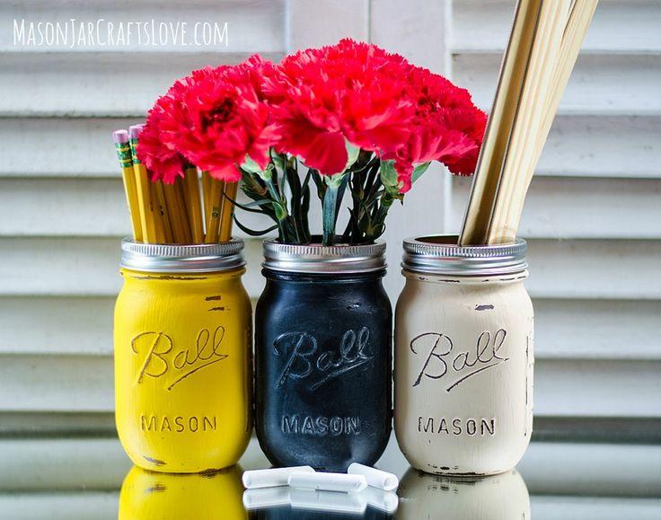 Back to school teacher gift idea: painted mason jars #backtoschool