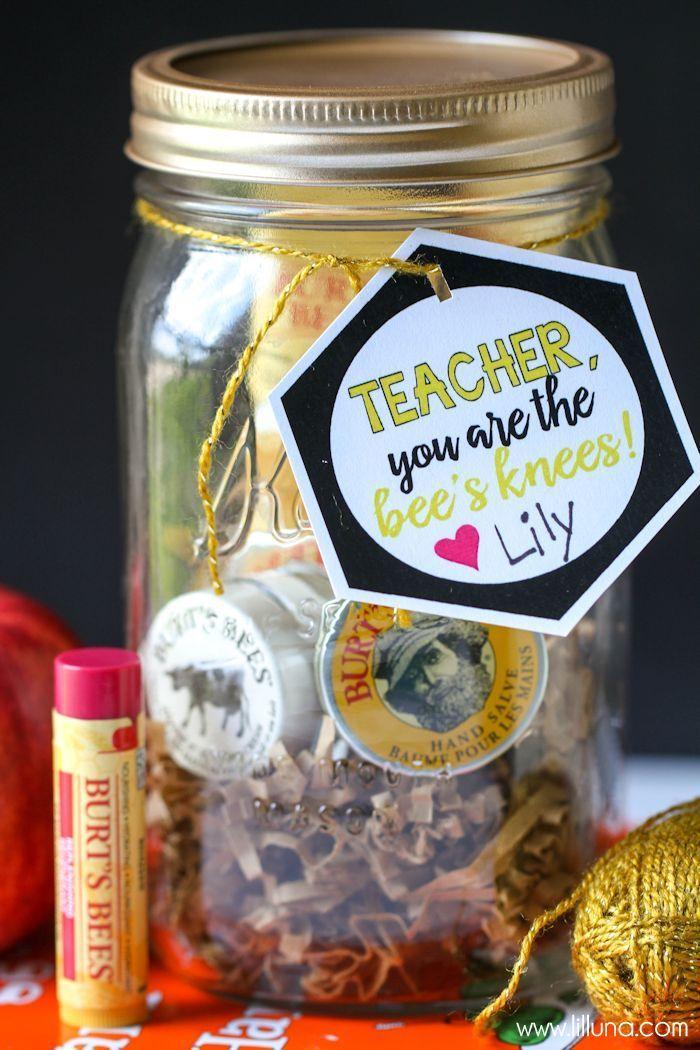 CUTE Bee's Knees Teacher Gift - free tags! #print #gift #idea