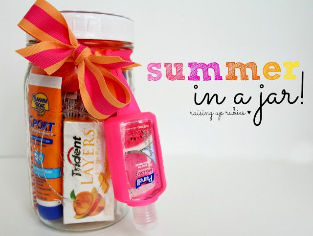 Raising up Rubies: summer in a jar ... ♥ Great idea for a summer birthday or t...