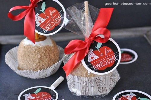 Teacher Appreciation Gift Idea: A Caramel Apple with free printable tag. #teache...