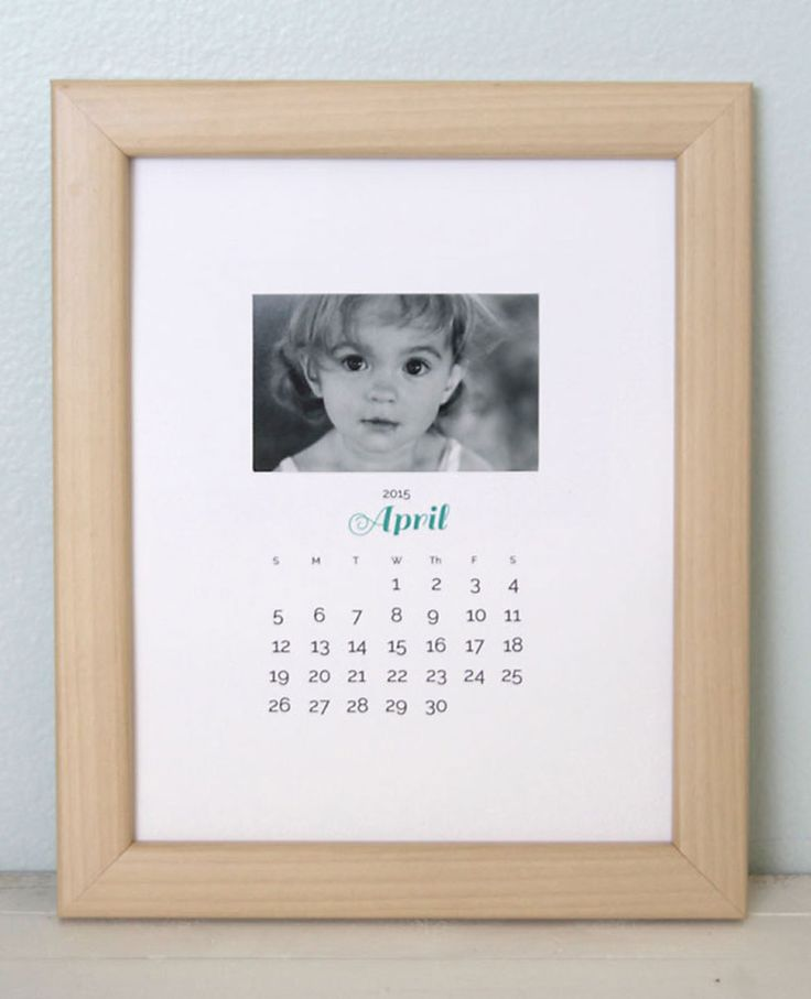 Blogger Autumn used her computer to create these printable PDF calendar pages—...