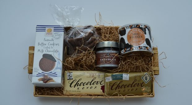 Is your mom a chocaholic? Satisfy her sweet tooth with a basket filled with her ...